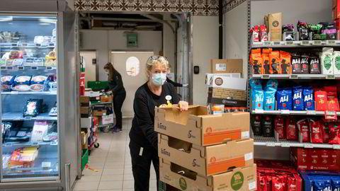 Nina Fagertveit, bestyreren på Spar-butikken på Geilo, opplever tidenes rekordår samtidig som store deler av reiselivet går en tung vinter i møte.