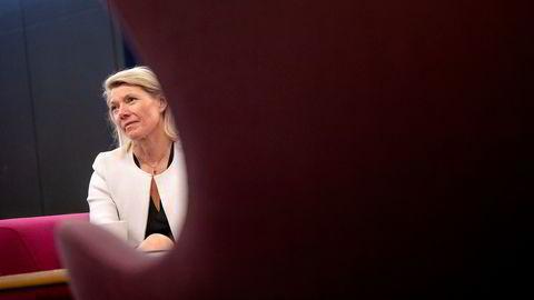 DNB-sjef Kjerstin Braathen  legger frem et betydelig overskudd etter koronaåret 2020. Men regnskapet er preget av store tapsavsetninger på utlån.