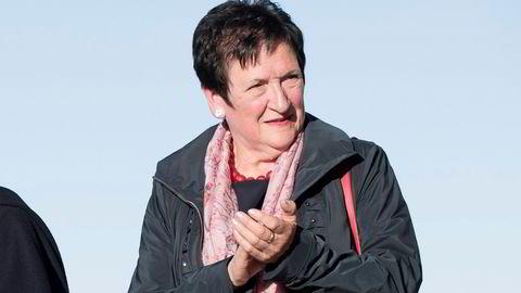Hill-Marta Solberg leder Karantenenemnda som nå får kraftig kritikk for sin håndtering av brudd på informasjonsplikten.
