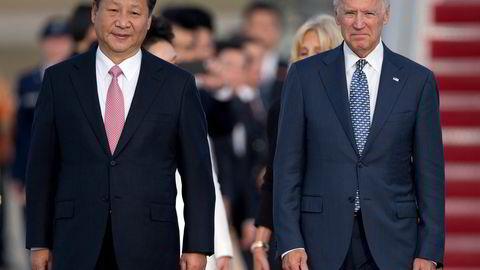 Vi ser et stadig mer intenst kappløp mellom USA og Kina om det teknologiske hegemoniet. President  Joe Biden var i 2015 visepresident da han møtte president Xi Jinping.