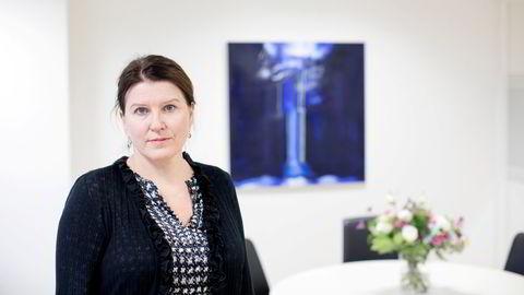 – Det er helt klart tøffere å lande sin første jobb nå, sier leder Kari Sollien i Akademikerne.