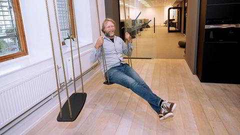 I et kontorbygg i Vika er tre av tek-selskapene Bjørn Rustberggaard har vært med på å bygge opp samlet. Selv har han ikke bakgrunn fra skolesektoren utover å ha studert pedagogikk.