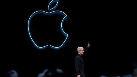 Apple toppsjef Tim Cook er ventet å presentere flere Iphone-nyheter tirsdag. Bildet er fra et tidligere event. (Photo by Justin Sullivan/Getty Images) ---