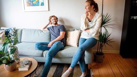Ida Heier Hovland og Vetle Vedeld solgte denne leiligheten på Tåsen i sommer for å flytte til Ås. For en måned siden fikk de endelig kjøpt seg ny bolig, det tok lengre tid enn planlagt.