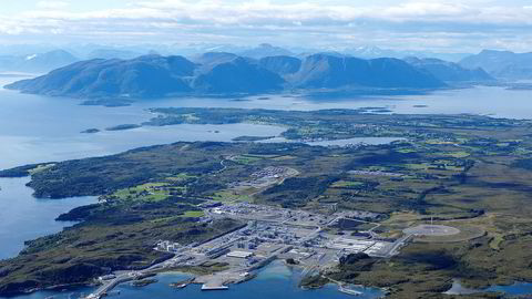 Gassterminalen på Nyhamna gir Aukra kommune nær 200 millioner kroner i skatteinntekter hvert år. Bildet er fra da anlegget sto ferdig i 2007.