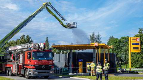 En hydrogentank eksploderte på en Uno-X-stasjon i Sandvika i juni i fjor. Det er vanskelig å forestille seg utstrakt bruk av hydrogen som energibærer i samfunnet uten at sikkerheten blir ivaretatt på en tilfredsstillende måte, skriver artikkelforfatteren.
