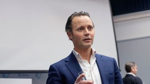 Thomas Wilhelmsen er i en bitter konflikt med en gruppe slektninger om kontrollen over Wilhelmsen-gruppen.