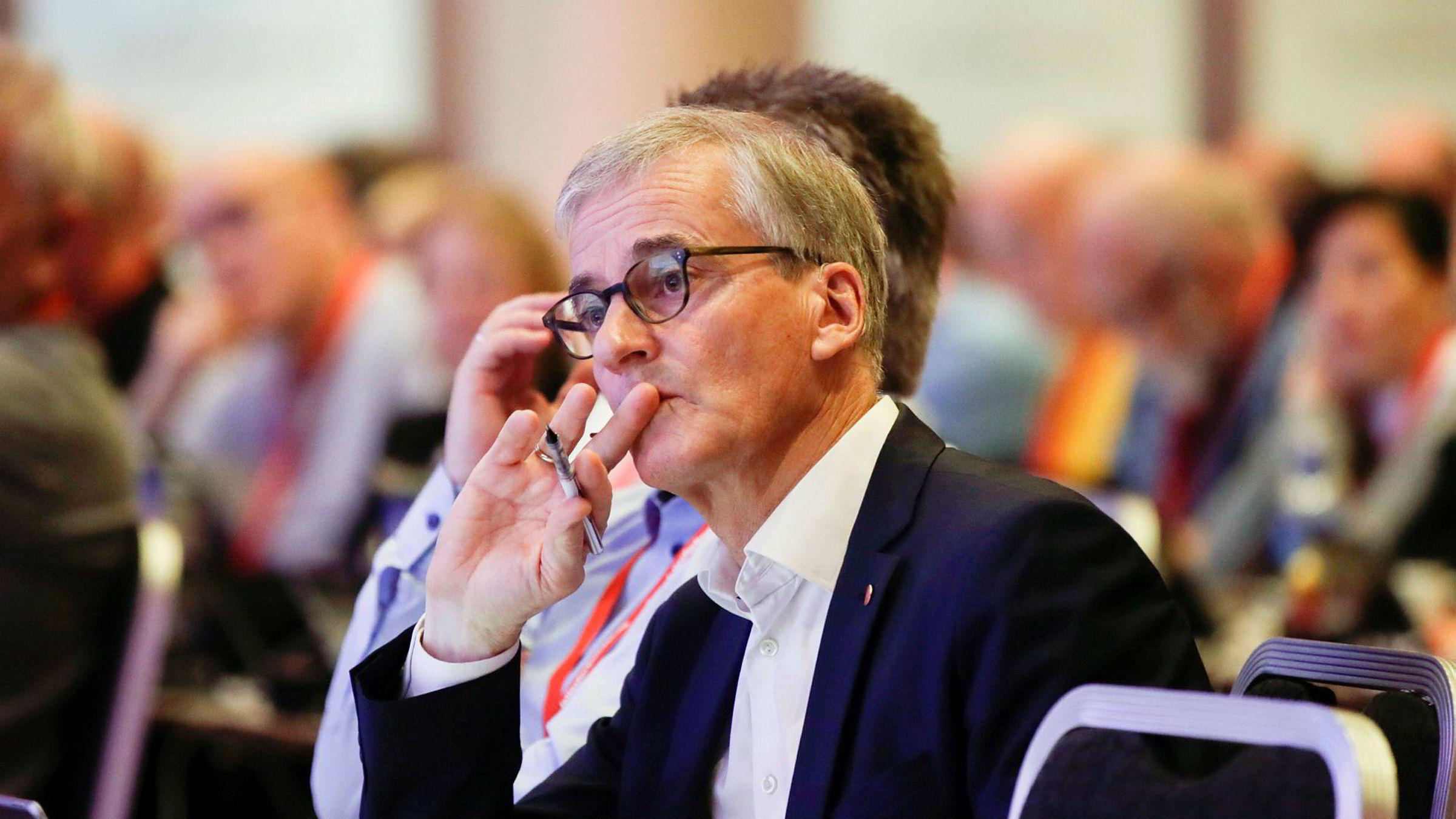 Ap-leder Jonas Gahr Støre mener politikerne må innse at Oljefondet er et politisk redskap.