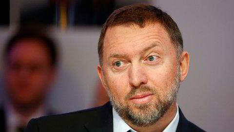 Analytiker mener aluminiumsgiganten Rusal tar de første stegene mot å fjerne seg fra oligarken Oleg Deripaska, som er svartelistet av USA.