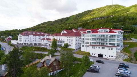 Eierne av Dr. Holms Hotell på Geilo møter åtte hytteeiere i retten til uken. Striden handler om en gammel servitutt fra 1939.