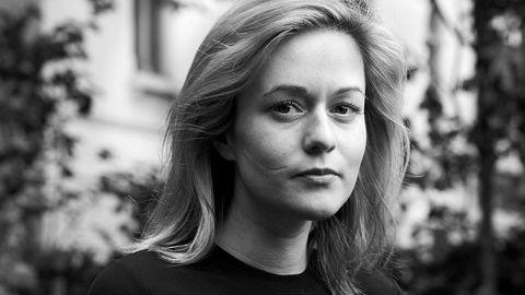 Hekseredaktør. Fra hjemmekontoret sitt i London driver norske Elisabeth Krohn heksemagasinet Sabat. Målgruppen er en ny generasjonen hekser som er opptatt av feminisme, spiritualitet, astrologi og egenutvikling.