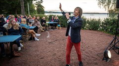 Sondre Lerche gjorde hindringer om til sin fordel, og ble årets turnévinner i året det var så vanskelig med konsert. Her på Hvalstrand restaurant 23. august.