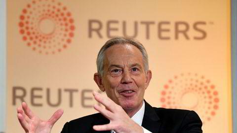 Britenes tidligere statsminister Tony Blair taler på en Reuters-tilstelning i London mandag formiddag.