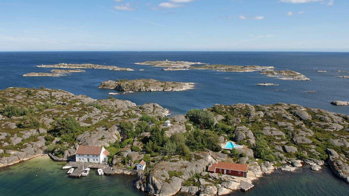 Eiendomsinvestoren Erik Klaveness (72) selger Gaupholmen i Blindleia utenfor Lillesand for rekordhøye 60 millioner kroner.