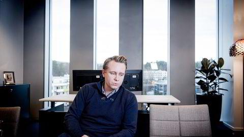 – Jeg har et langsiktig forhold til dette, sier Akastor-sjef Kristian Monsen Røkke.                    Foto: Gorm K. Gaare