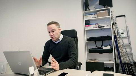 Ansvarlig redaktør i Resett, Helge Lurås, har stått i hardt vær de siste ukene.
