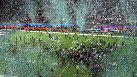 Det spares ikke på kruttet under den amerikanske Super Bowl. Her feirer Philadelphia Eagles etter seieren over New England Patriots i Minnesota i fjor.