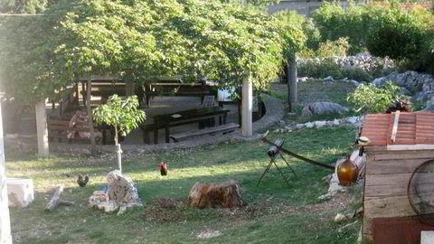 Leilighetshotellet lå noen mil utenfor byen Split.