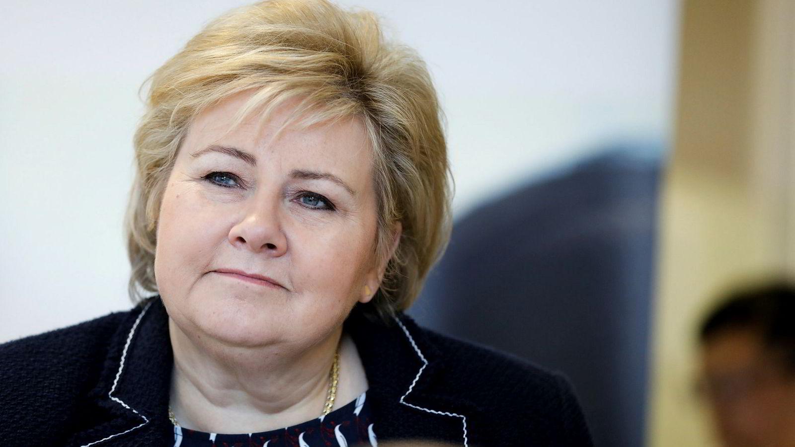 Statsminister Erna Solberg (H) har fortsatt tillit til justisminister Jøran Kallmyr.
