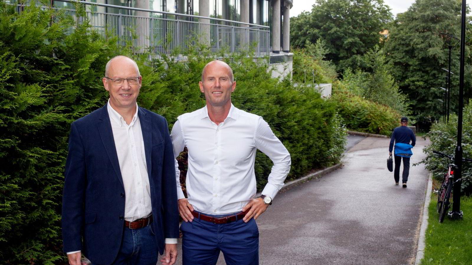 Ole I. Iversen (fra v.) og Rune Rimol mener mange ledere setter av for lite tid til trening i hverdagen. Foto: