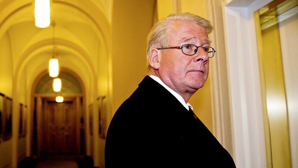 Carl I. Hagen uttaler seg om eldresaker for Fremskrittspartiet.