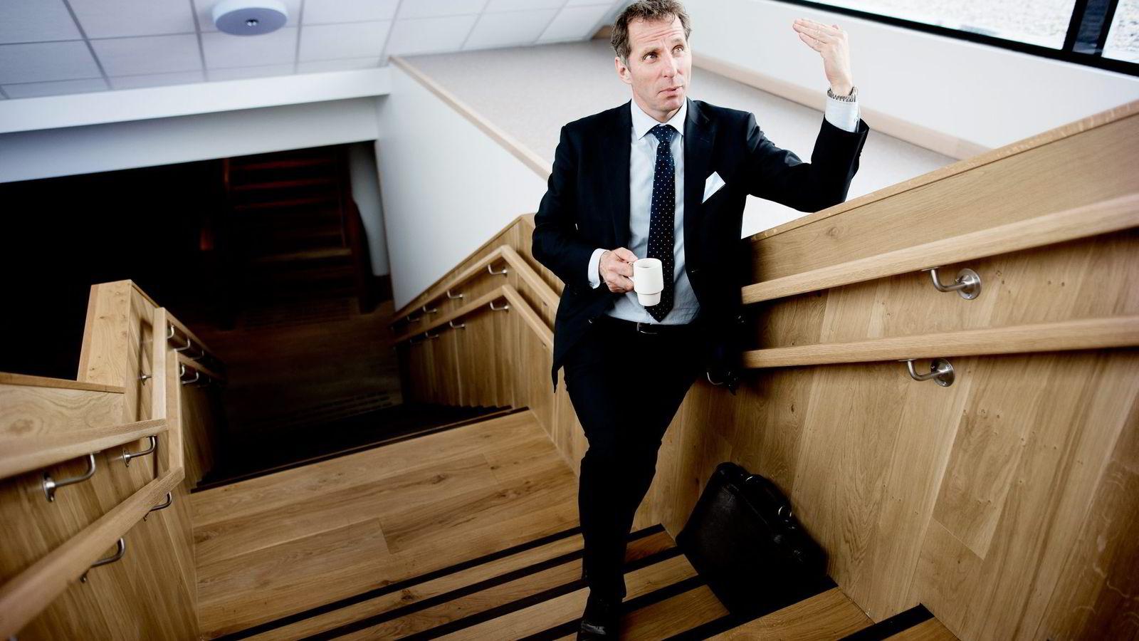 TRENGER TRESIFRET OLJEPRIS. - Jeg er ikke optimist, men realist, sier oljerådgiver Jarand Rystad.