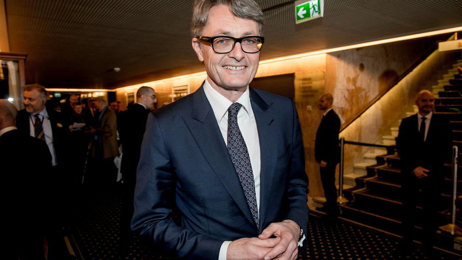 Aker-sjef Øyvind Eriksen på vei inn til festmiddag på Grand hotell i anledning sentralbanksjefens årstale 2018 tidligere i år.