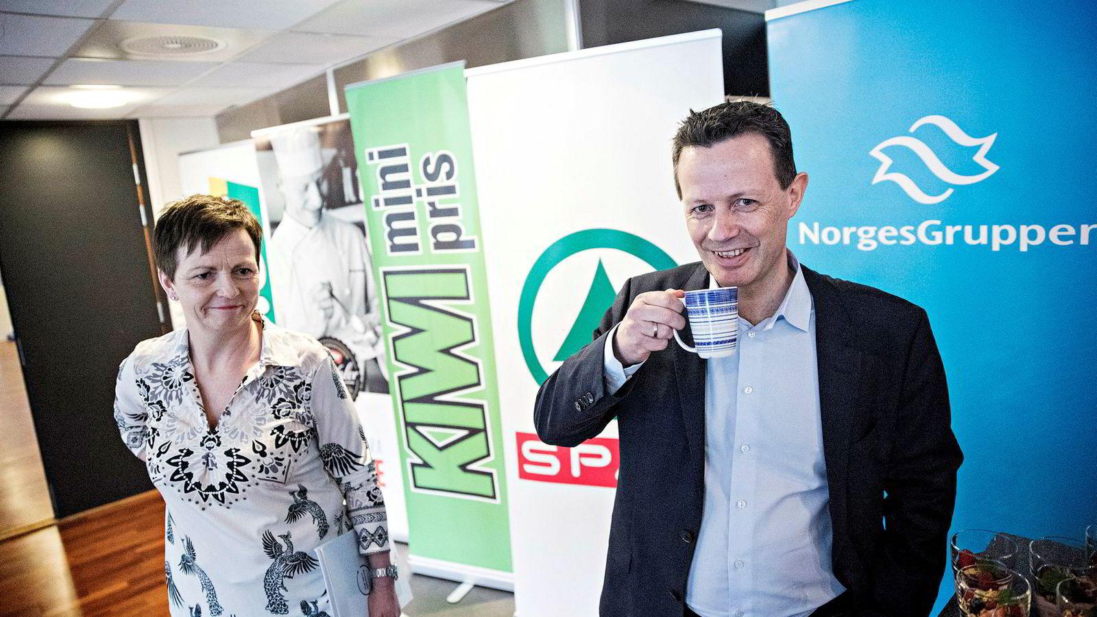 Konsernsjef Runar Hollevik og finansdirektør Mette Lier leder en pengemaskin. I fjor fikk Norgesgruppen et overskudd på over tre milliarder kroner. Her fra presentasjon av årsrapporten i fjor.