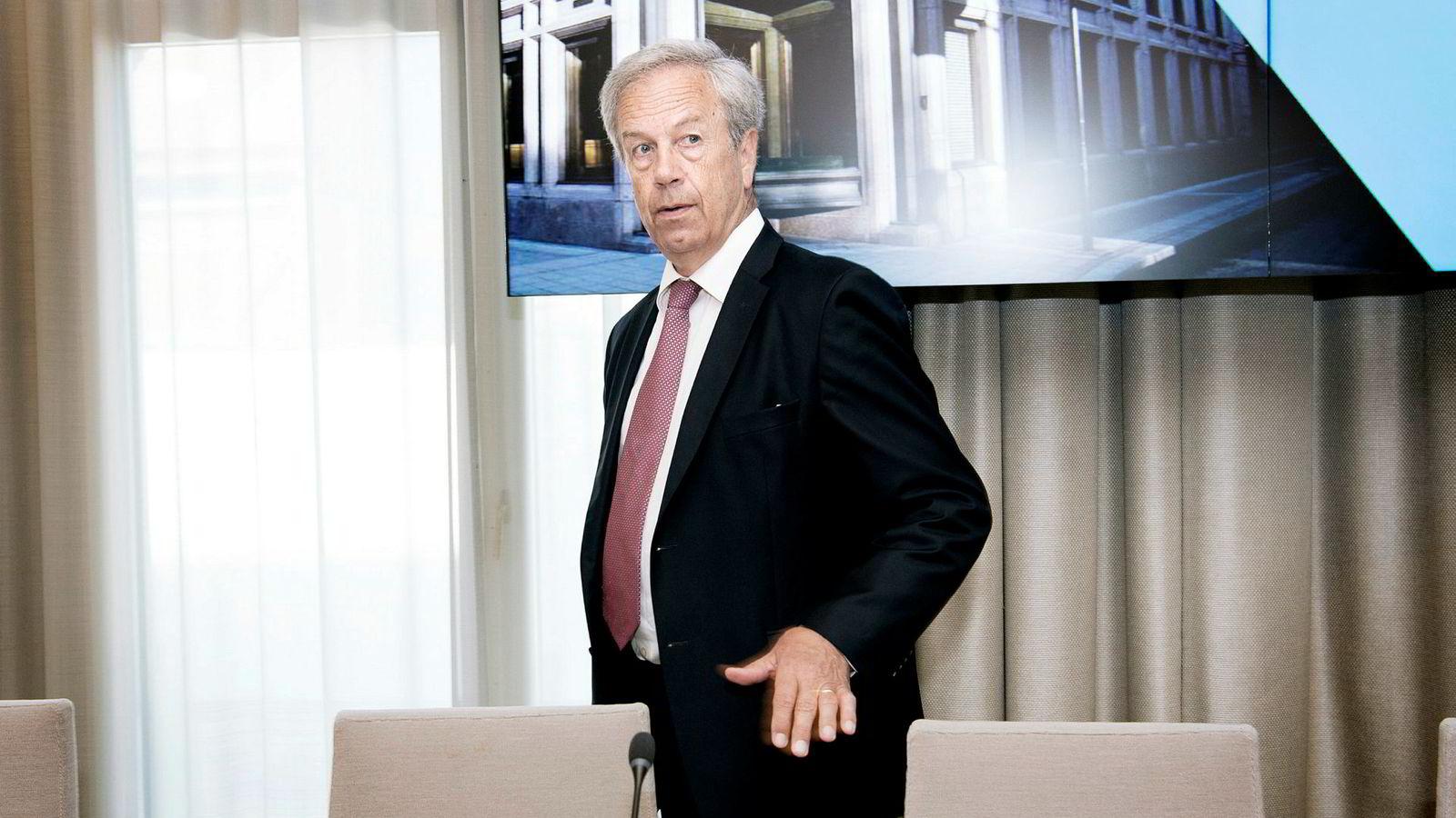 Øystein Olsen har signalisert to rentehevinger til neste år. Goldman Sachs tror han blir tvunget til å gjennomføre en tredje.