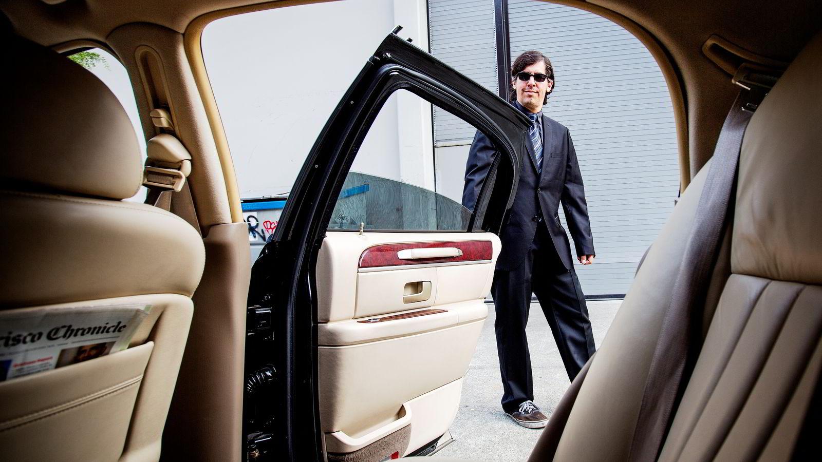 Uber-sjåfør Erik Franco i California var strålende fornøyd med jobben da han ble intervjuet av DN i fjor. Før jobbet han som vanlig drosjesjåfør, men måtte gi seg da han hadde flere forsøk på ran i bilen.