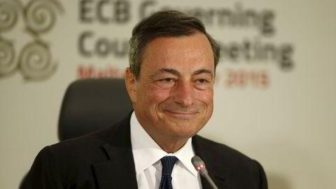 Mario Draghi under torsdagens pressekonferanse på Malta. Foto: Darrin Zammit Lupi/REUTERS/NTB SCANPIX