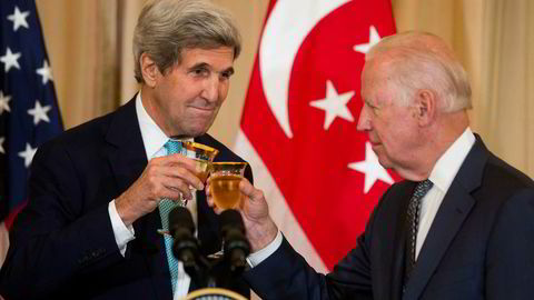 Demokratene John Kerry (til venstre) og Joe Biden er aktuelle kandidater til å utfordre Donald Trump i 2020.