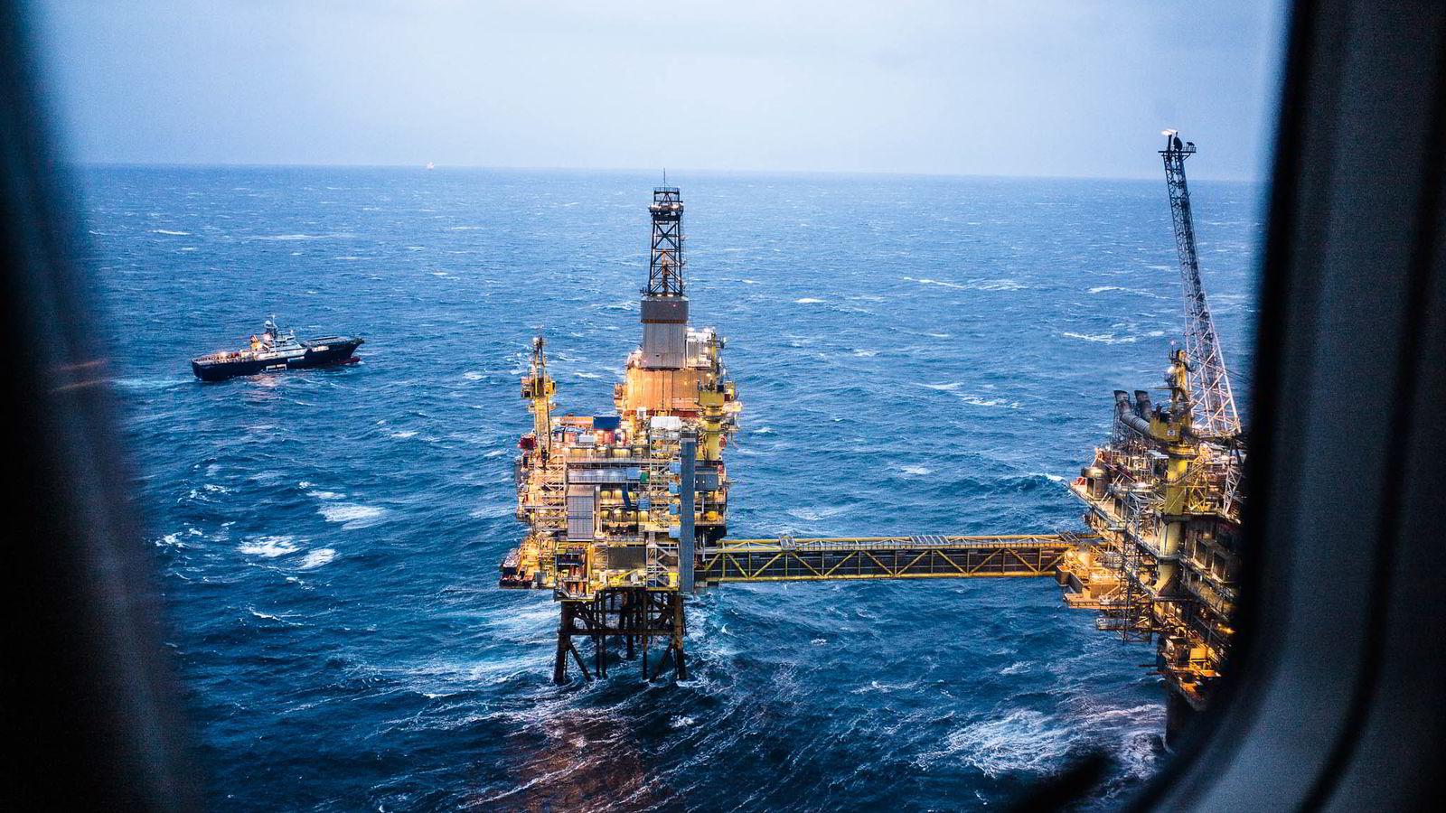 ADVARER. Det er varslet store oppsigelser i Statoil. De ansatte er redde for at det fører til at sikkerheten svekkes.