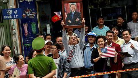 Vietnam er en av de raskest voksende økonomiene i verden og er blitt en viktig alliert av USA – over 40 år etter Vietnamkrigen. President Barack Obama ble ønsket velkommen til Vietnam i år. Nå privatiseres statsselskaper for å redusere gjeld og gjøre selskapene konkurransedyktige.