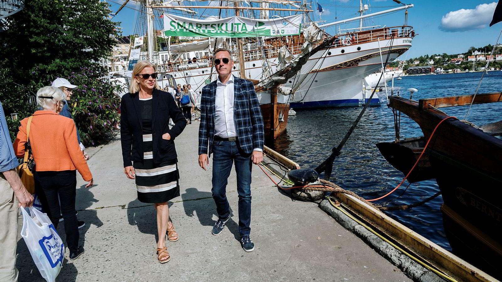 Statsviter Janne Haaland Matlary og forsvarsminister Frank Bakke-Jensen møttes før debatten «kan vi stole på Nato» i regi av Norges Forsvarsforening.