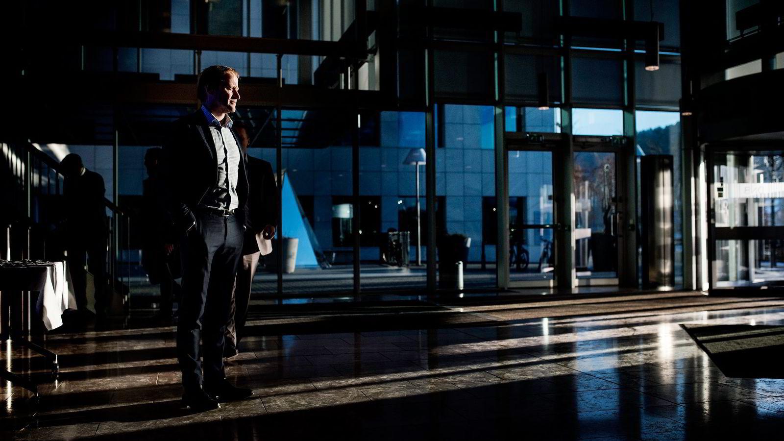 Banker, revisorer og andre er pålagt en stor innsats mot hvitvasking, men statens svikter i oppfølgingen, mener Roar Østby, konserndirektør i DNB.