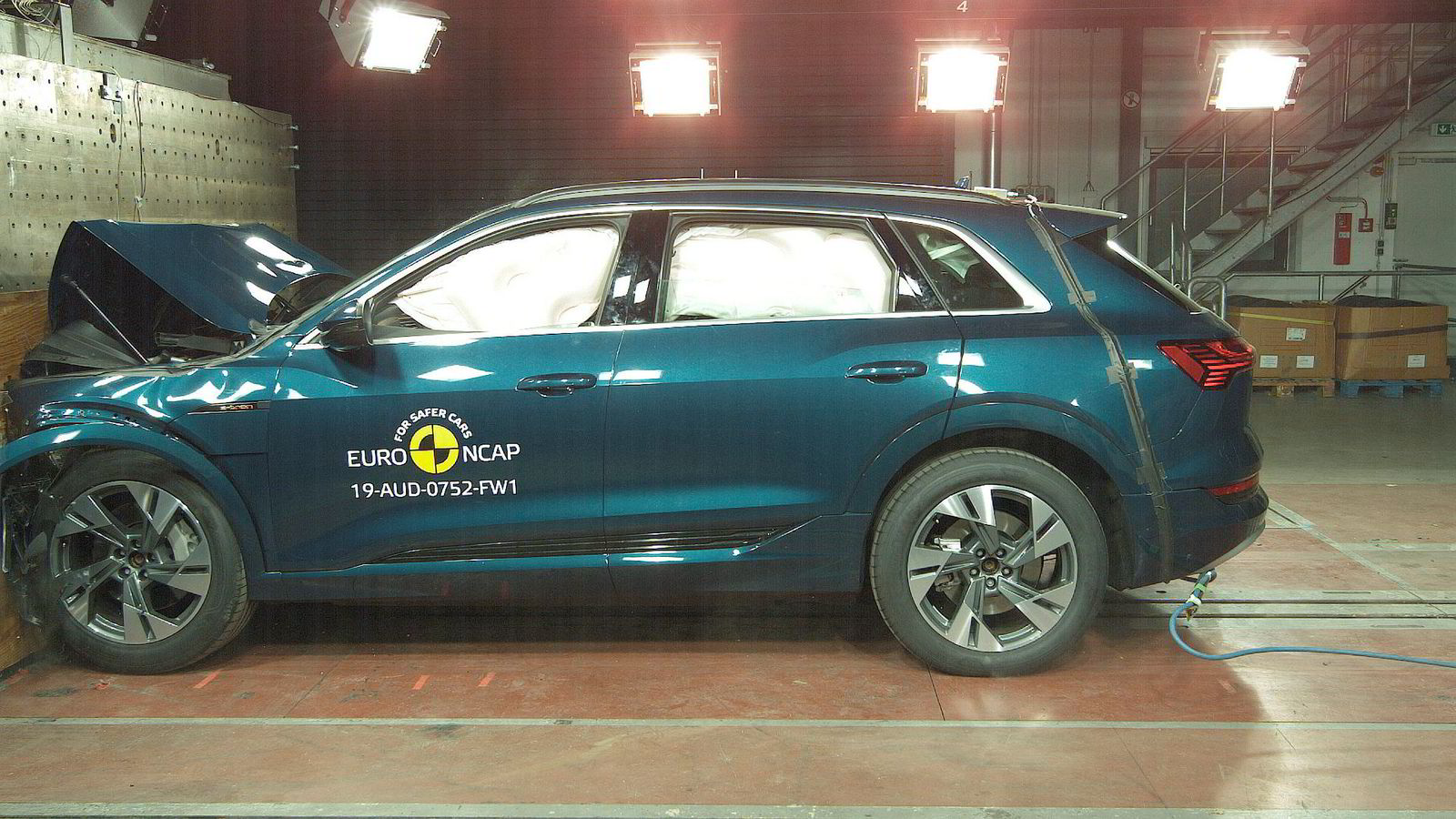Audi E-tron gjør det bra i Euro Ncaps kollisjonstest.