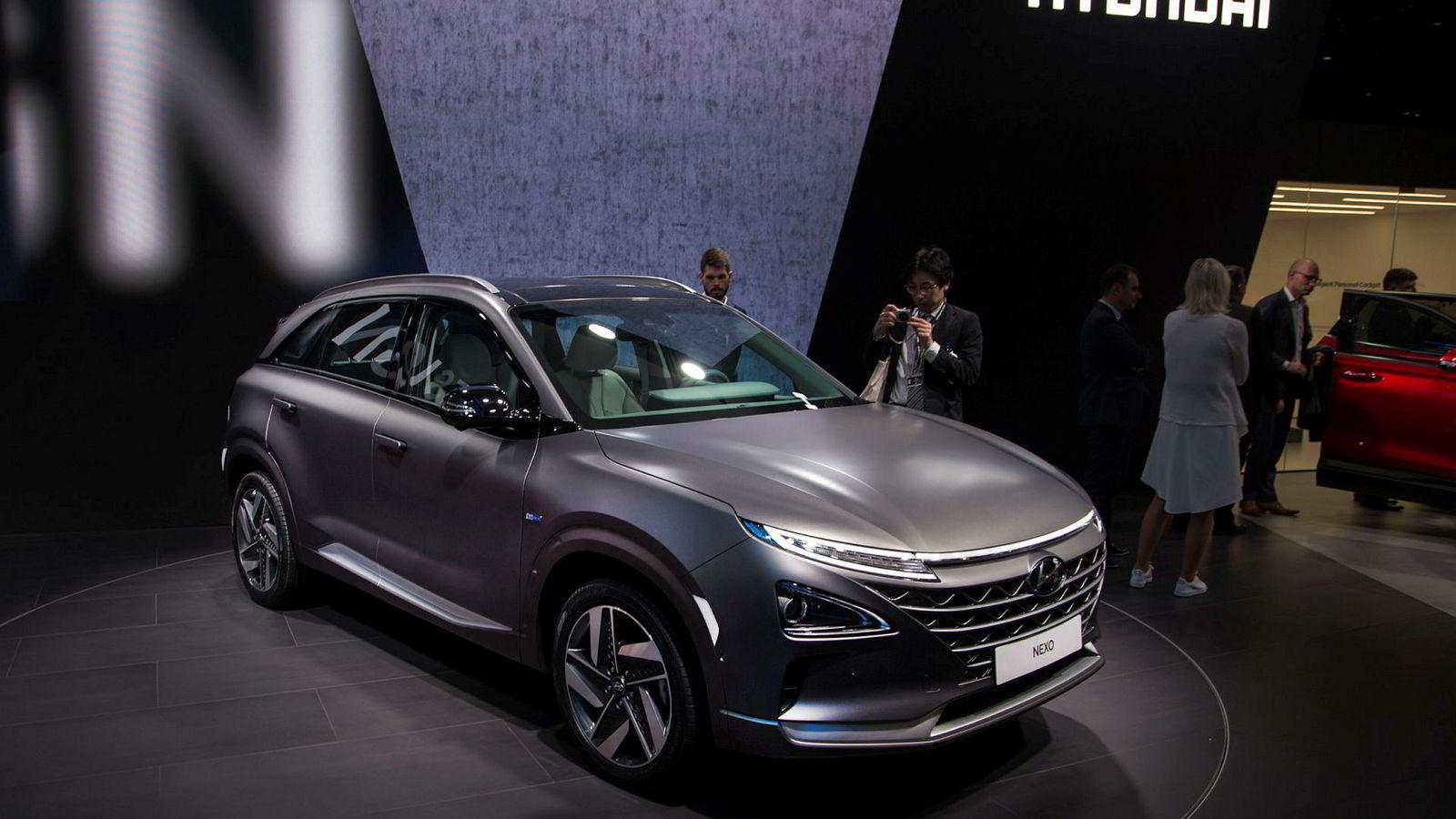Hyundai Nexo er én av to hydrogenbiler på det norske markedet. Her under bilens premiere i Geneve i mars i år.