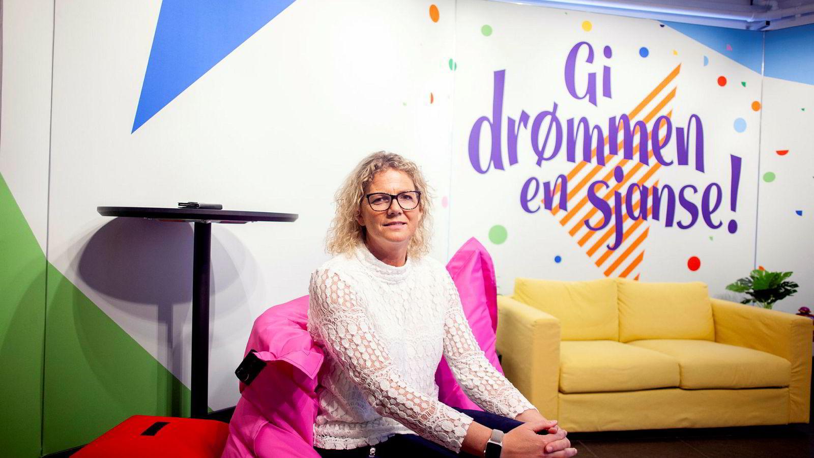 – Vi kan ikke la være å ha noen tanker om hvorfor denne rapporten kommer akkurat nå, sier kommunikasjonsdirektør Tonje Sagstuen i Norsk Tipping. Hun mener Kindred planlegger å bruke rapporten i tre viktige rettssaker om spillpolitikk.