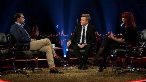 Partileder i Sverigedemokraterna (SD) Jimmie Åkesson (fra venstre) og hans samboer og partifelle Louise Erixon var gjester i det første «Skavlan»-programmet på TV 2.