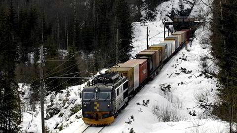 Det er viktige samfunnsøkonomiske argumenter for gods på tog, som forsvarer å bruke offentlige midler. Foto: Oddvar Foss