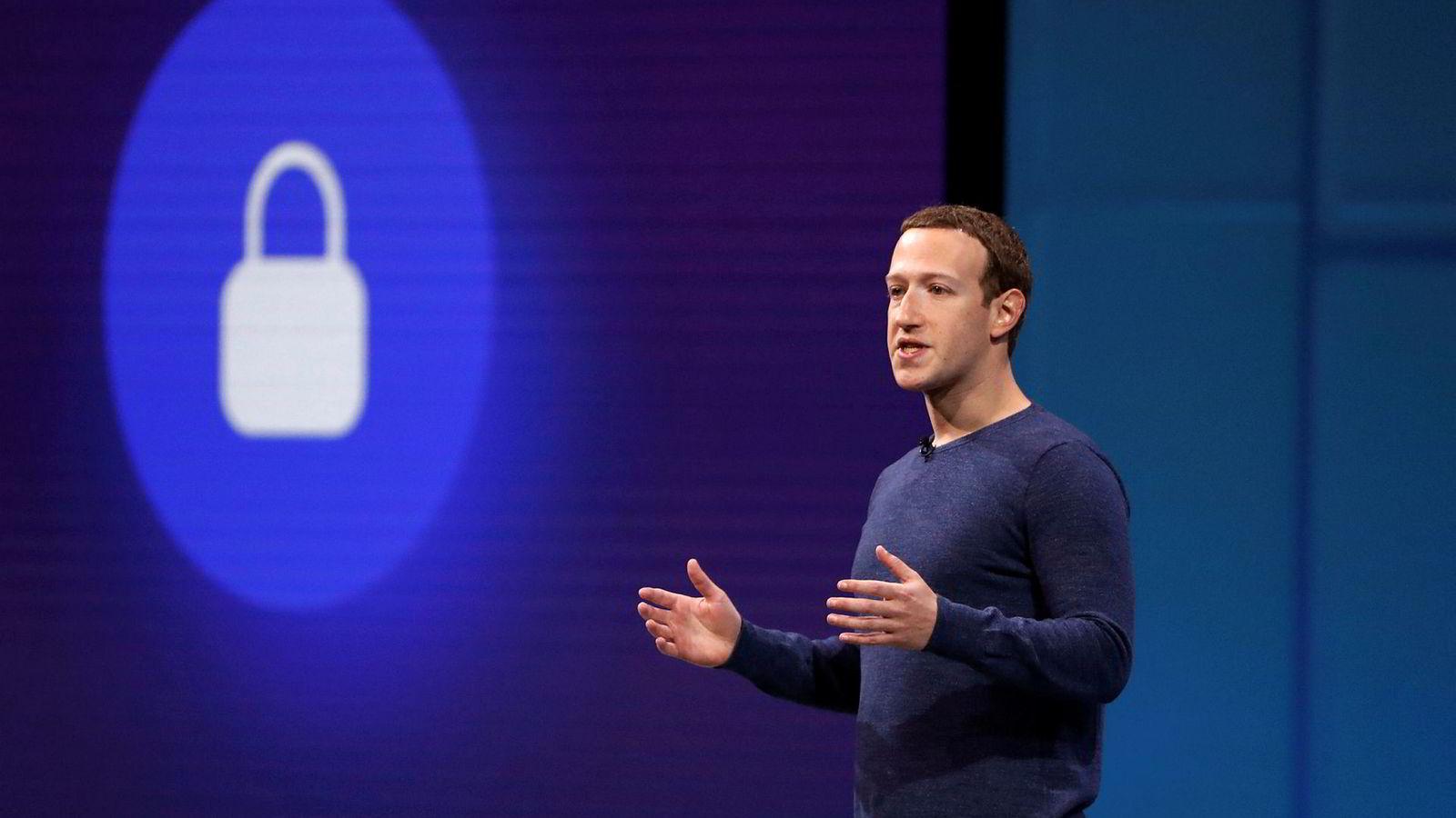 I året som har gått, har Mark Zuckerberg som kjent blitt presset fra skanse til skanse til å måtte forklare seg både om arbeidet mot falske nyheter, og til å være mer åpen om selskapets strategi og verktøy.