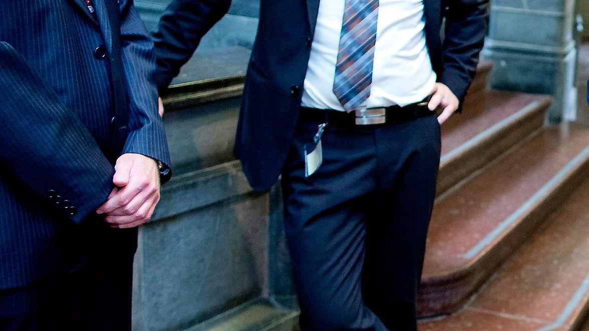 TILTAK. Statssekretær Jørgen Næsje (til høyre) i Finansdepartementet, her med departementskollega Paal Andre Bjørnestad, jobber for å motvirke kunstig overskuddsoverflytting. Foto: Ida von Hanno Bast