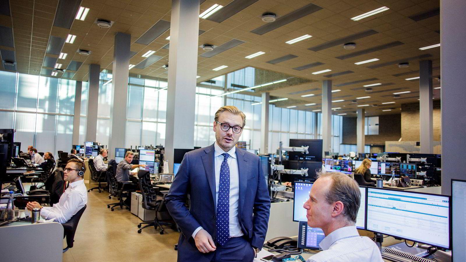 Aksjesjef Alexander Opstad og aksjestrateg Paul Harper (til høyre) i DNB Markets.