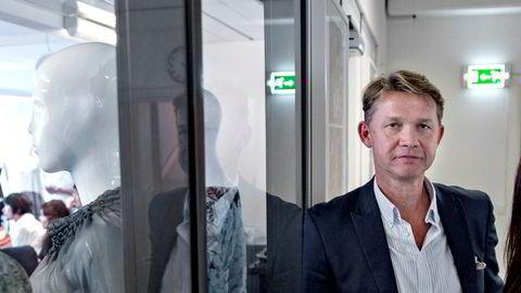 – Det har vært en berg-og-dal-bane, sier Stein Lande om karrieren som klesgründer.