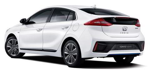 Dette er første bildet av Hyundai Ioniq, som kommer i tre forskjellige motorversjoner. Foto: Hyundai