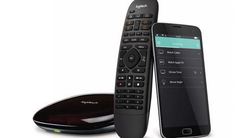 Med oppkoblings-hub (fra venstre), universalkontrollen og app kan Logitechs Harmony Elite kontrollere det meste av husets elektronikk. Foto: Logitech
