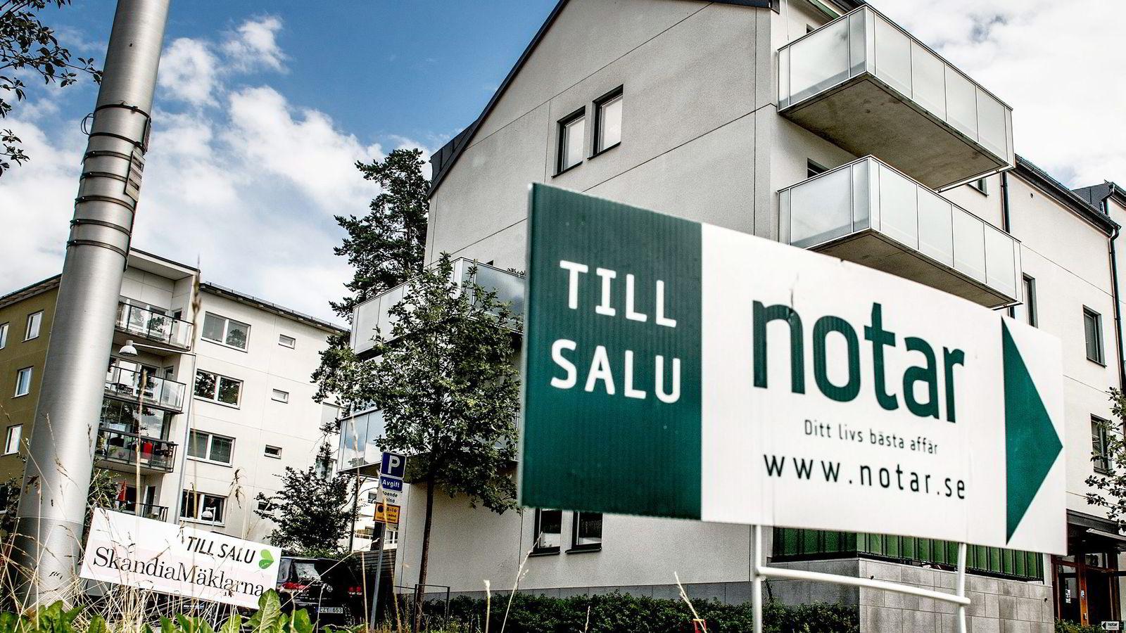 Det er blitt roligere på boligvisningene i Stockholm. Seks av ti svensker venter nå en mer dempet utvikling fremover. Foto: Tomas Oneborg /SvD/NTB Scanpix