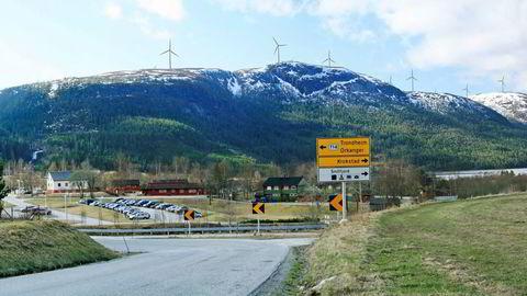 Slik ser Statkraft for seg at vindkraftutbyggingen kan se ut på Geitfjellet. Illustrasjon: Statkraft