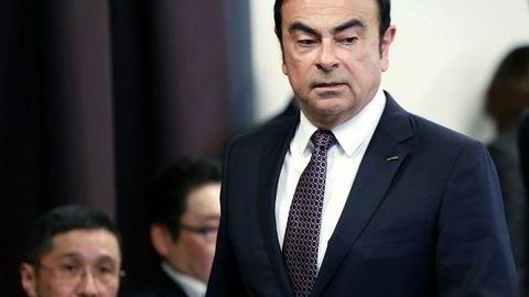 Renault har bestemt seg for å beholde Carlos Ghosn som toppsjef, selv om han sitter fengslet i Japan.